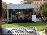 zvuk podium - Den Medu